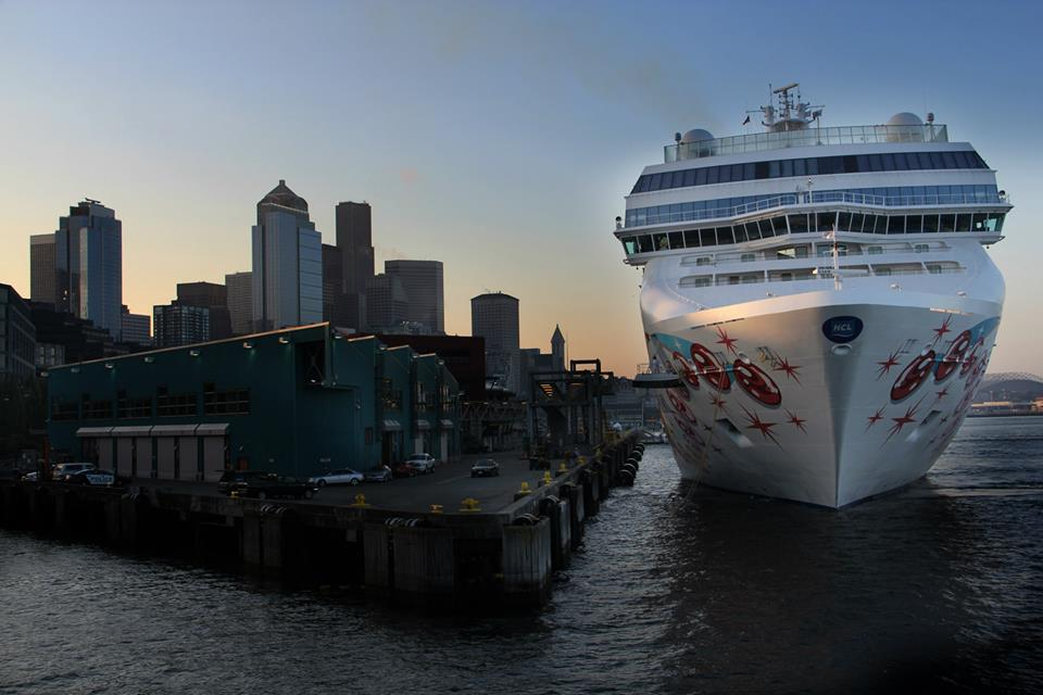 NCL Pearl at Pier 66 in Seattle